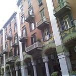 200px-Palazzo_dei_Pavoni_in_via_Paleocapa_(Savona)[1]