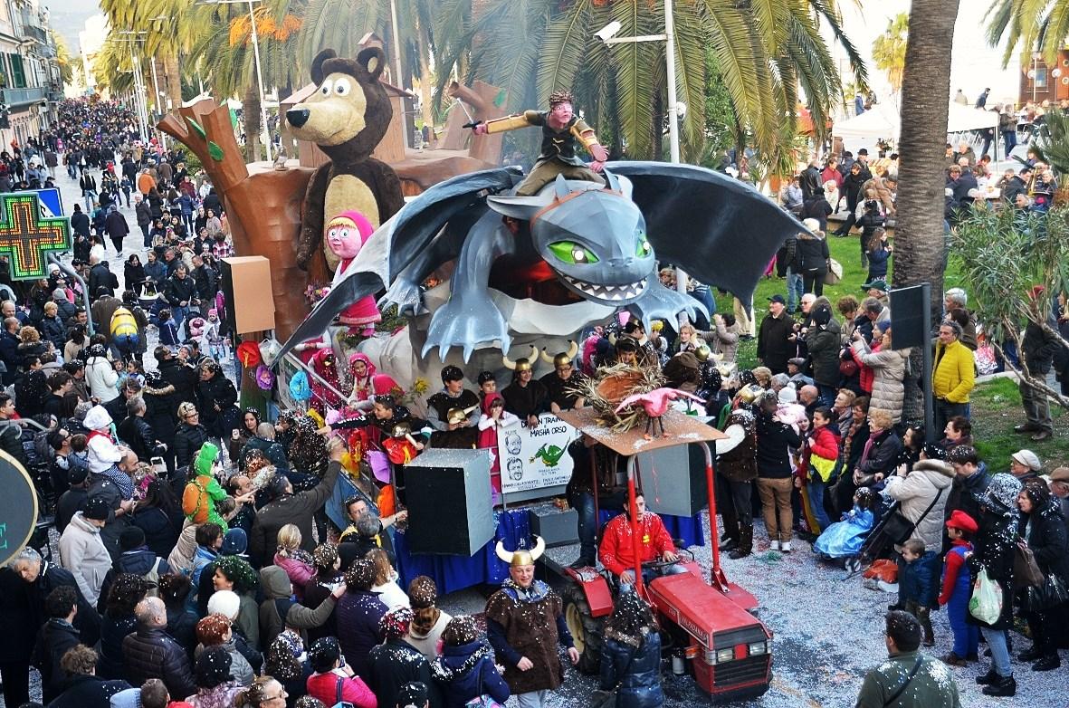 Loano- CarnevaLöa sfilata carri