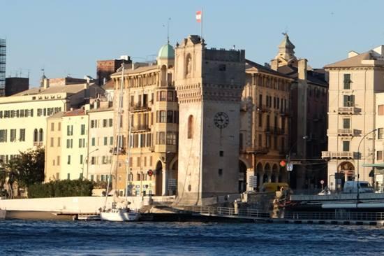 Savona visita all interno della torretta for Interno della torretta vittoriana
