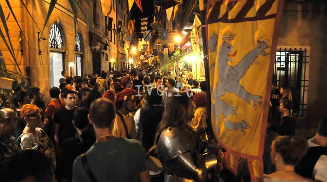 Finalborgo(SV)-Viaggio nel Medievo Viagem Medieval